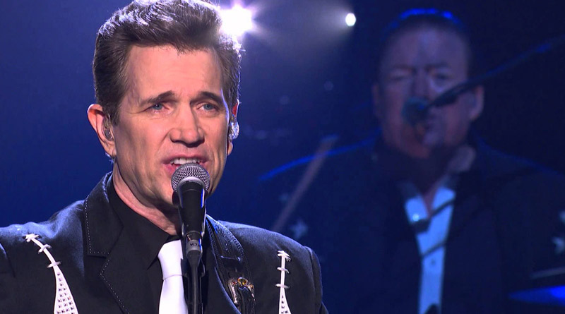 Is Chris Isaak Married His Bio Age Wife Family Net