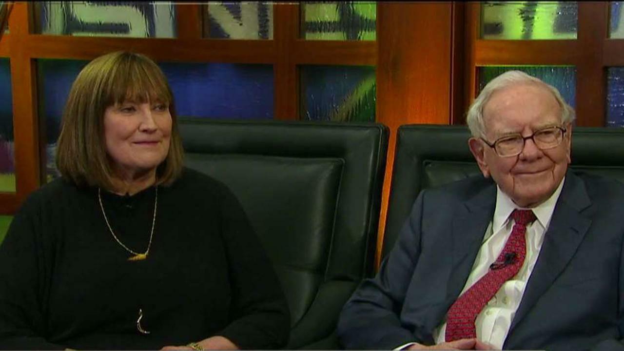 Inside Warren Buffett's unconventional open marriage - Business Insider