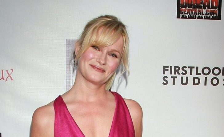 Is Nicholle Tom Married?